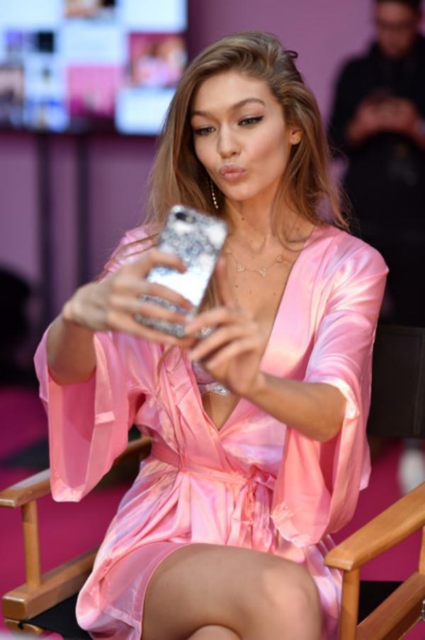 Gigi Hadid Selfies
