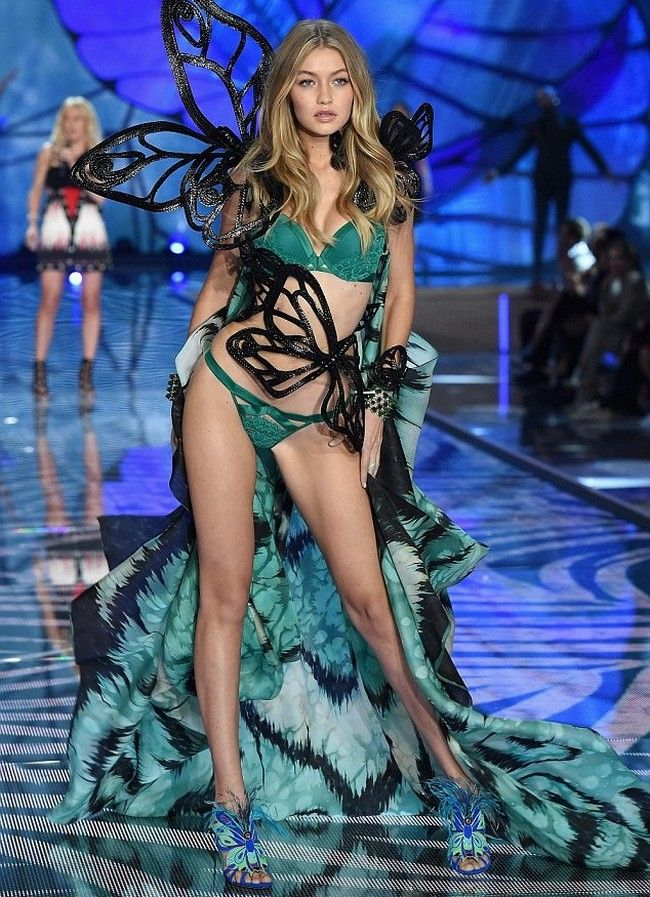 Gigi Hadid confirmed to appear in Victoria's Secret Fashion Show with Sister Bella