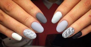 Showstopping Gray Nails