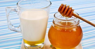 Honey and Milk Remedy for Dry Skin