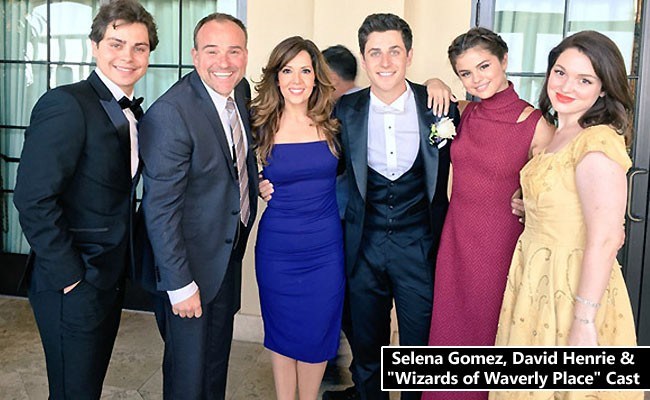 Selena Gomez Gushes over David Henrie Wedding Pics