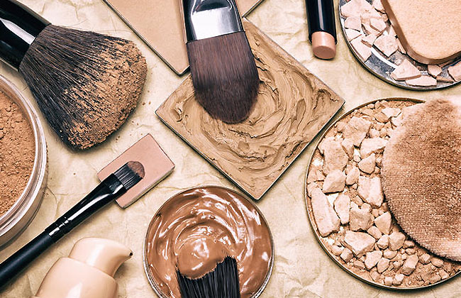 Best Foundations For Mature, Dry, And Oily Skin