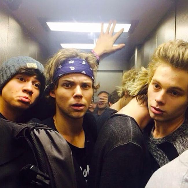 5SOS Looking Hot In Elevator Selfies
