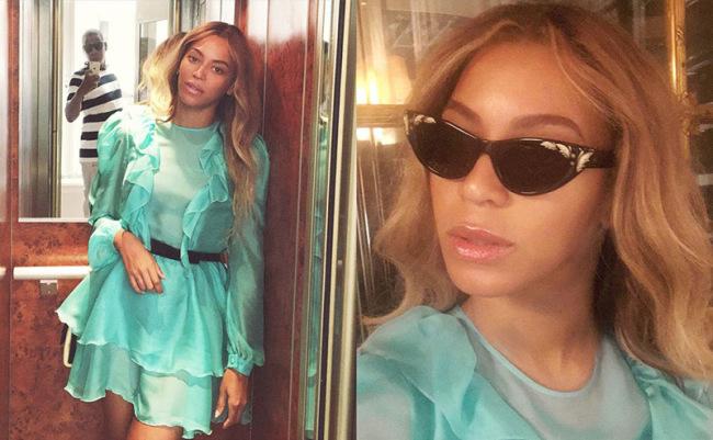 Beyonce Looking Hot In Elevator Selfies