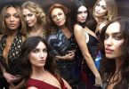 Kendall Jenner, Karlie Kloss & More Looking Hot In Elevator Selfies
