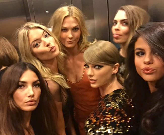 Taylor Swift, Selena Gomez & More Looking Hot In Elevator Selfies